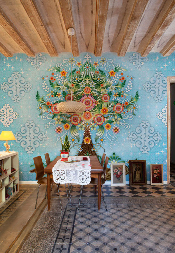 The-Blue-Wallpaper-Of-Conventional-Dining-Rooms-with-Wallpaper-Murals