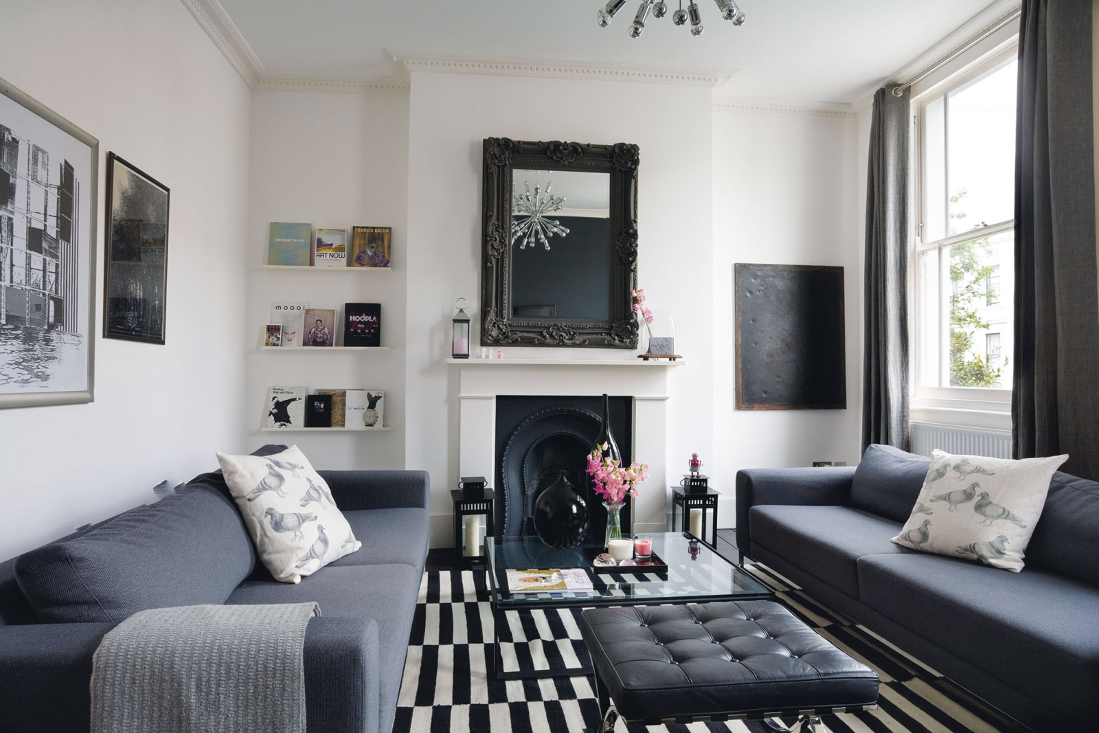 Monochrome interior design minimalist decor smooth - Houzz wohnzimmer ...