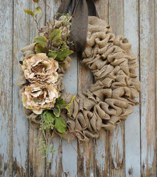 burlap-wreath-with-ribbon-idea