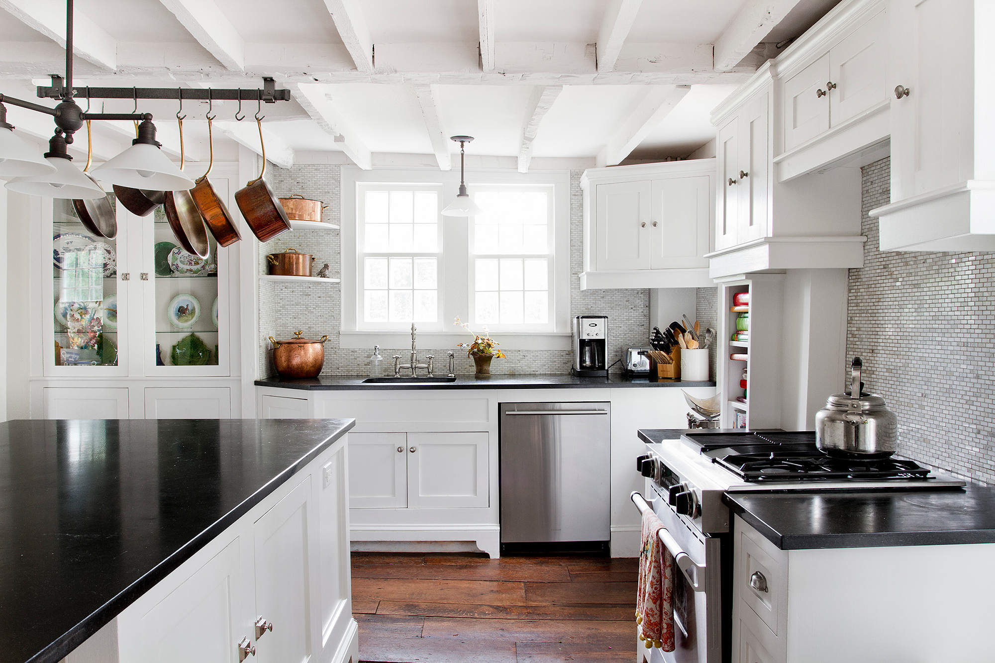 Biggest kitchen trends to carry you into 2018 smooth for Kitchen remodel trends